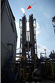 CO2 exhaust on top of left splitter coloumn